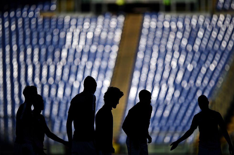 ancelotti cori offensivi razzismo discriminazione territoriale partite sospese