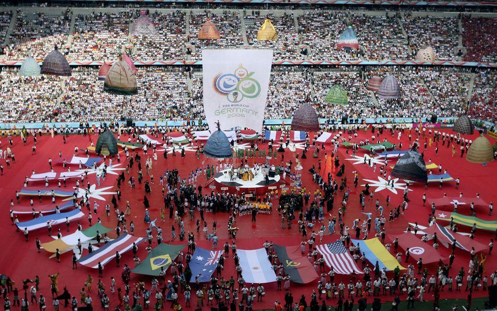 Germania: si dimette il presidente federale per lo scandalo dei Mondiali 2006