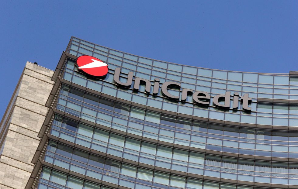 Unicredit, perché taglia 18mila posti di lavoro