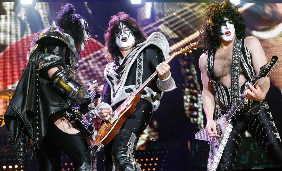 """Kiss, esce """"Rocks Vegas"""" - La storia di tutti i dischi dal vivo dal 1975 ad oggi"""