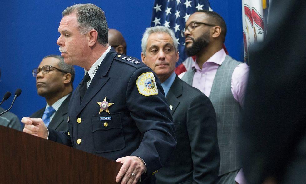 Il rapporto choc: la polizia di Chicago è razzista