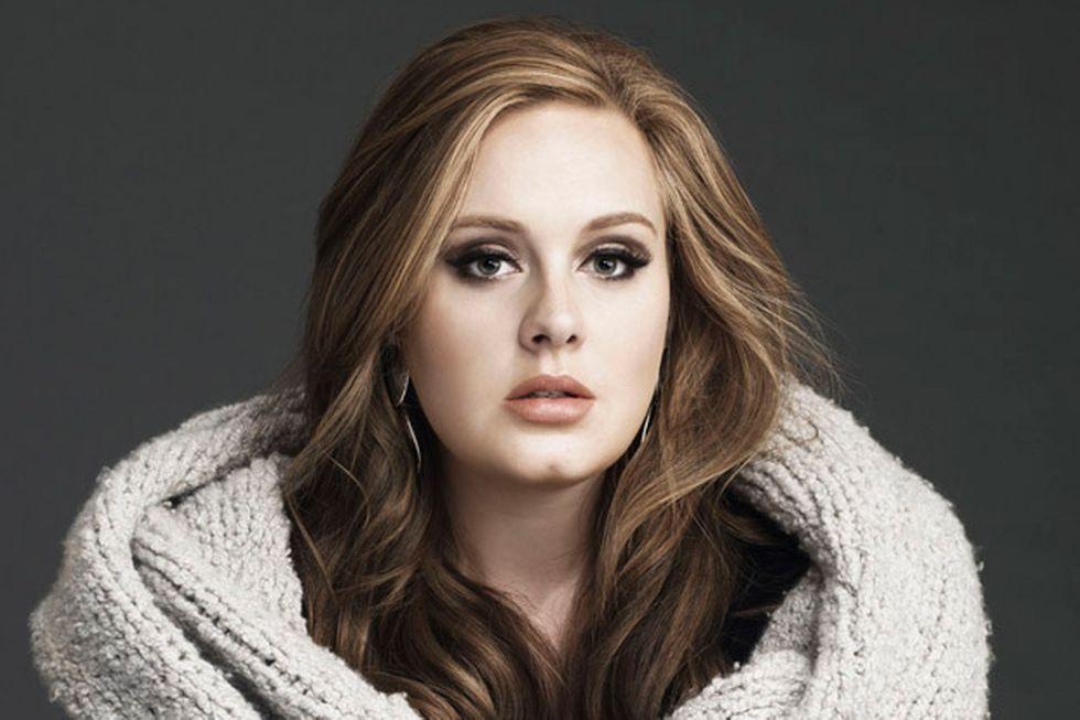 """Sondaggio: la miglior canzone del 2015? """"Hello"""" di Adele"""