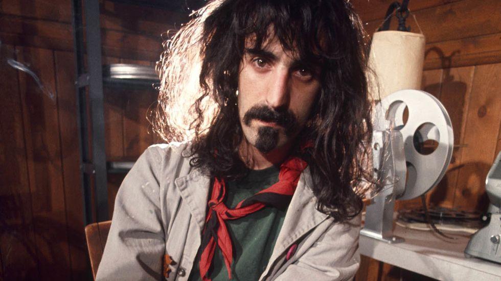 Frank Zappa, 25 anni senza: le frasi indimenticabili