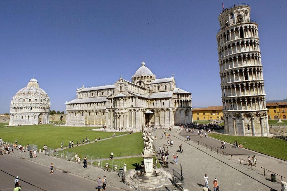 More and more tourists visit Italy in Spring