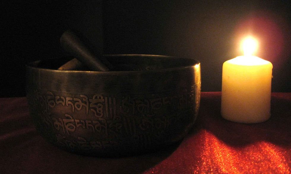 Il terzo occhio della campana tibetana: tra realtà e immaginazione