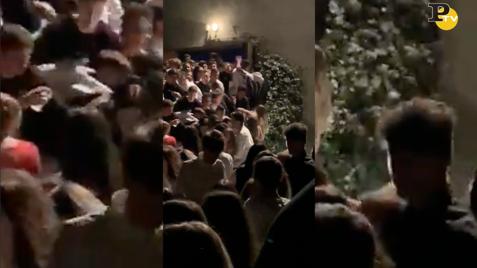 video discoteca Corinaldo crollo balaustra morti