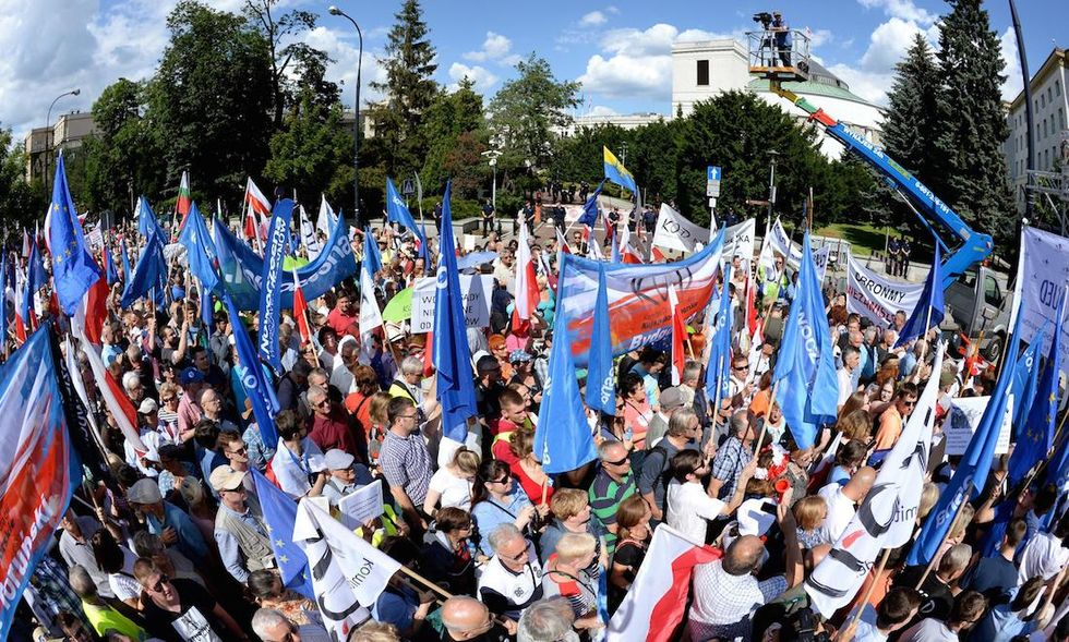 polonia governo illiberale