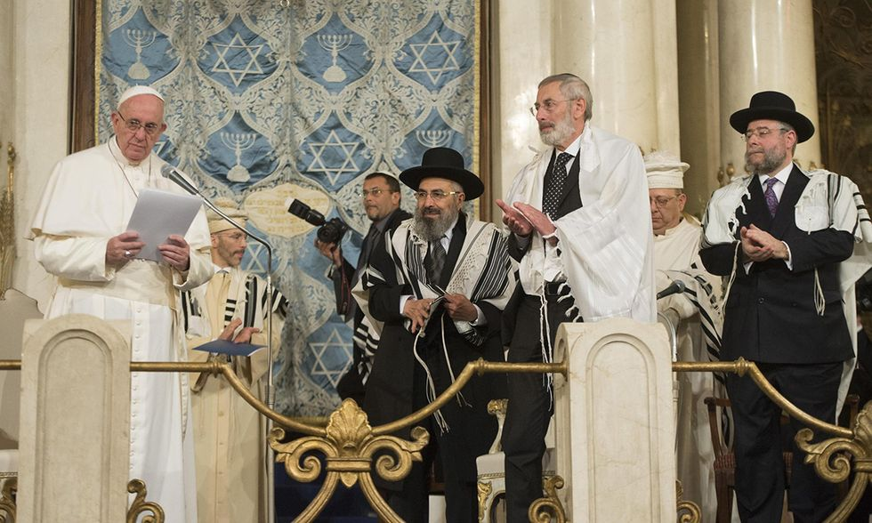 Papa Francesco alla sinagoga di Roma