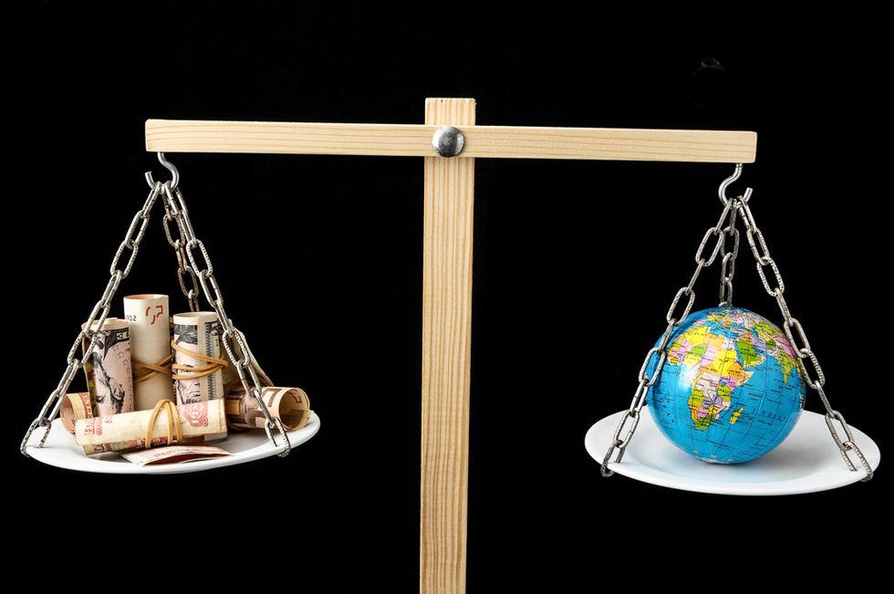 62 super-ricchi possiedono quanto metà dei poveri del mondo