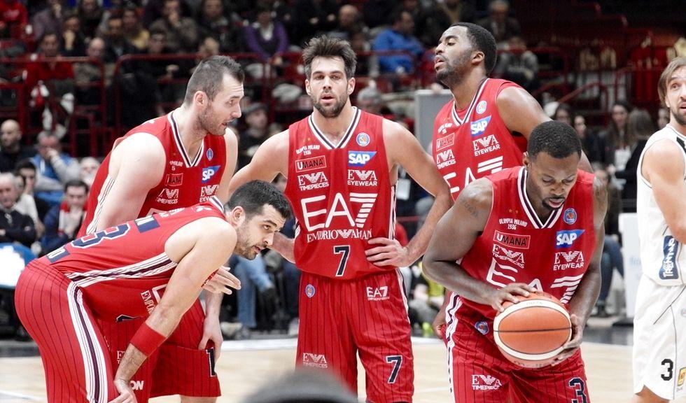 Basket: EA7 più forte della sfortuna, Cremona e Pistoia si confermano