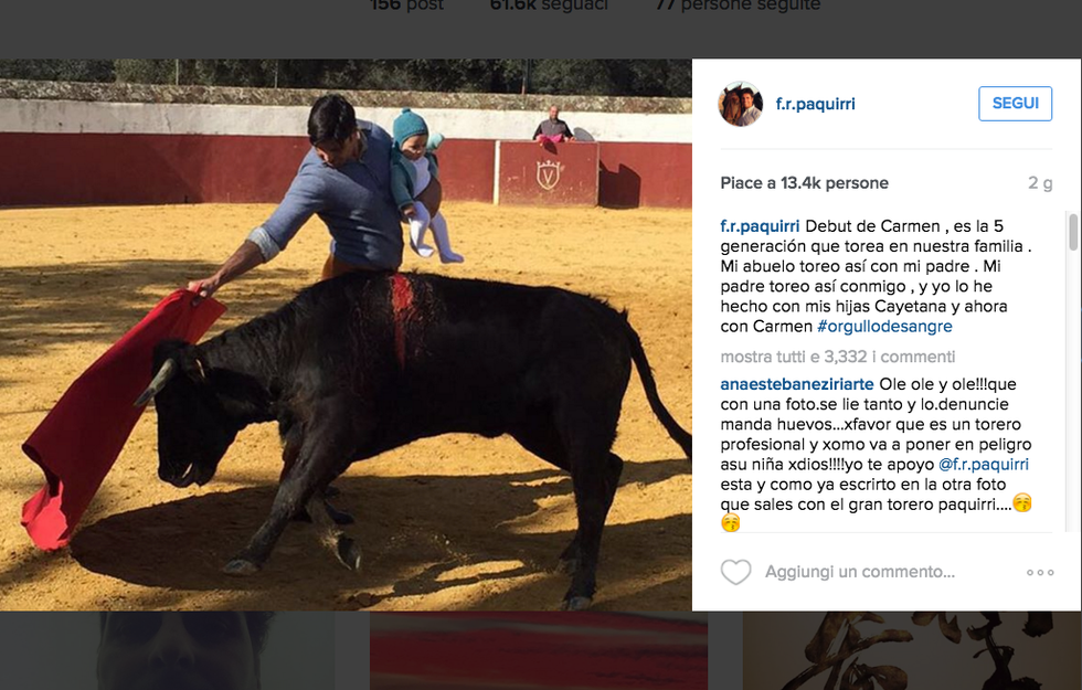 Il torero Francisco Rivera con la piccola Carmen