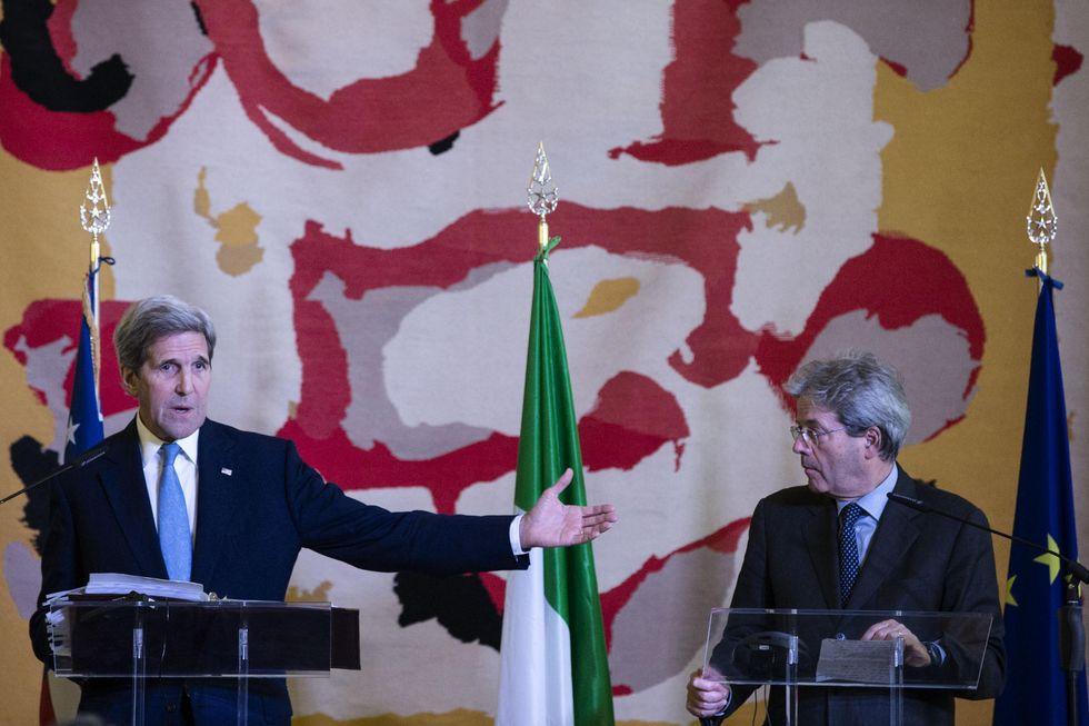 """Kerry: """"Nel suo impegno per la coalizione, l'Italia è stata grandiosa"""""""