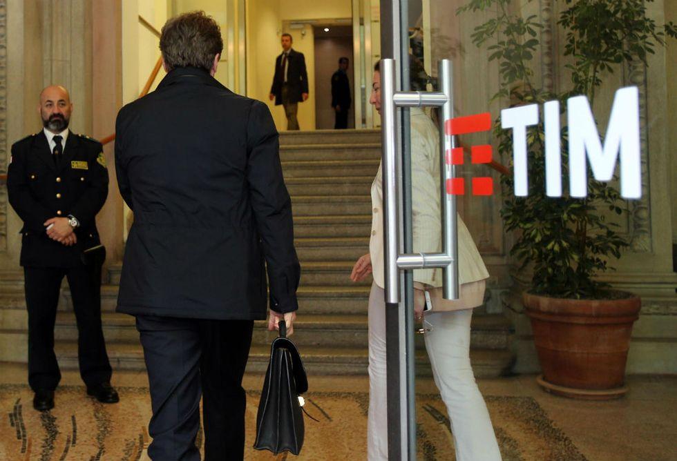 Tim, i perché delle dimissioni di Cattaneo