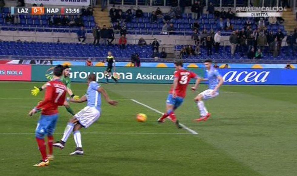 23a giornata - Errori arbitrali: da annullare il gol di Higuain in Lazio-Napoli