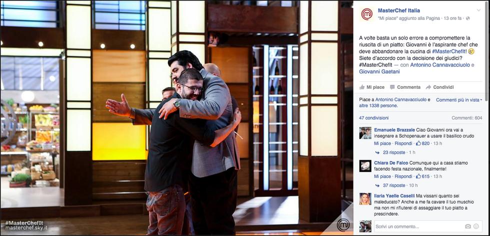 L'abbraccio di chef Cannavacciuolo a Giovanni