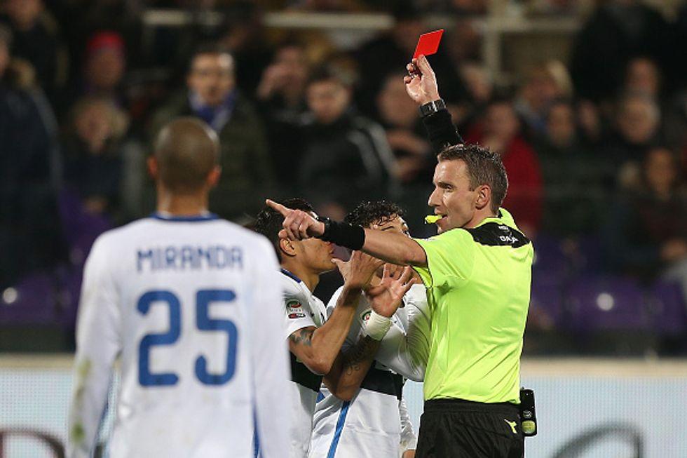 25a giornata - Mazzoleni moviola disastro: quanti errori in Fiorentina-Inter