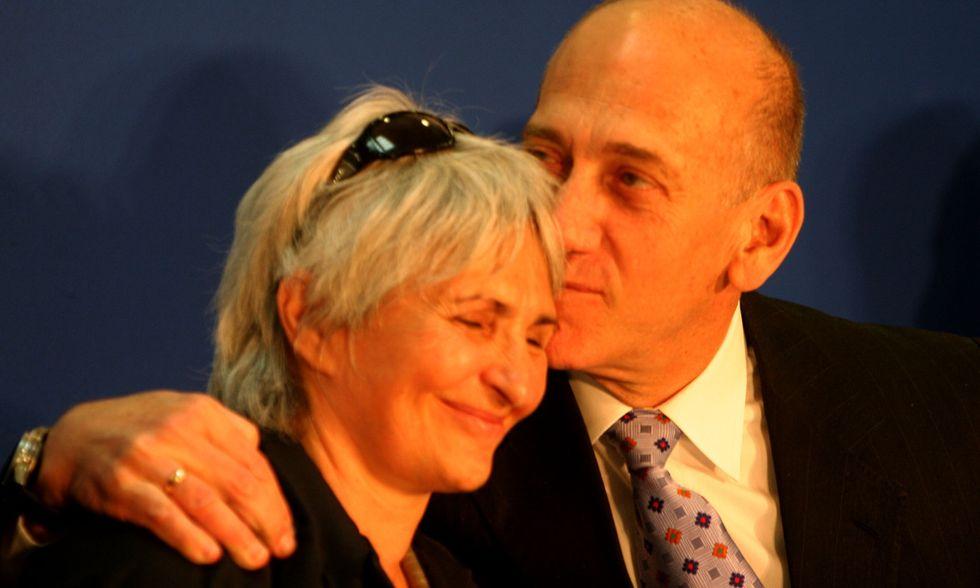 Ehud Olmert: si aprono le porte del carcere