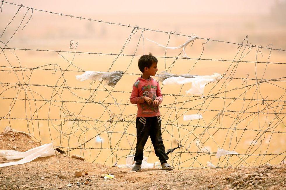 Isis: storia dei bambini guerriglieri orfani dei miliziani jihadisti