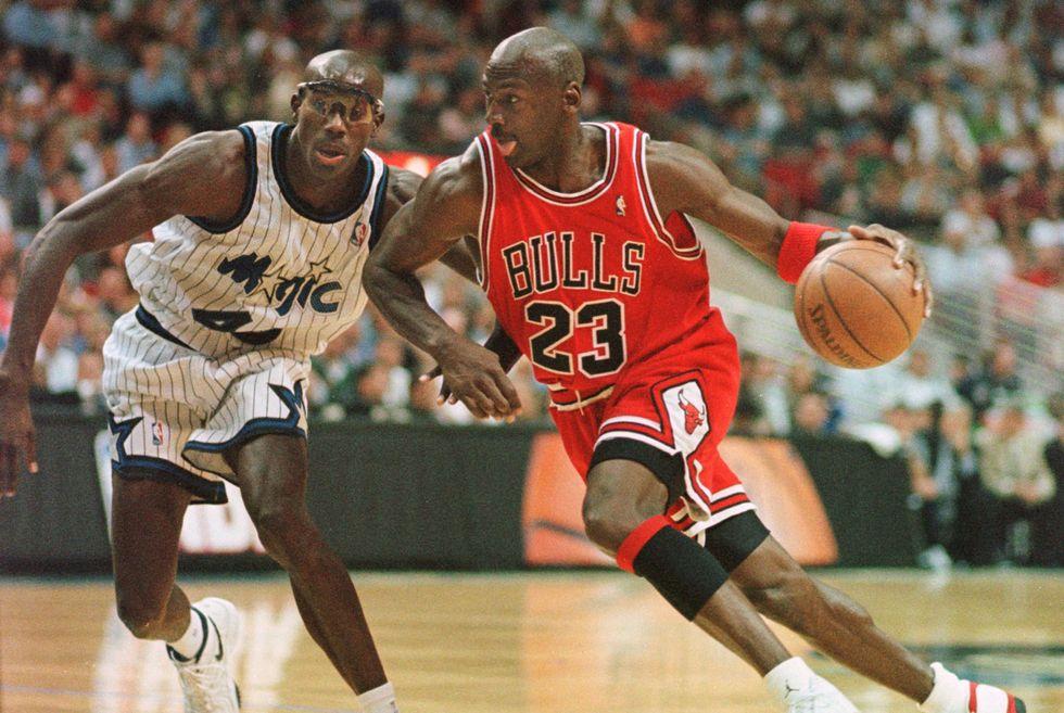 Il compleanno di Michael Jordan: i migliori tweet di auguri