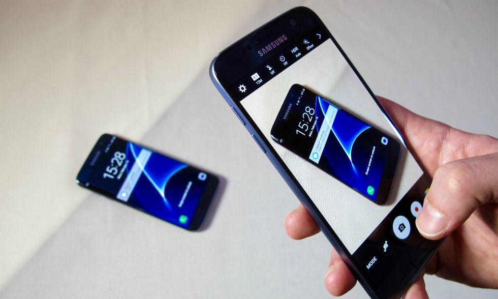 Samsung-smartphone-apertura