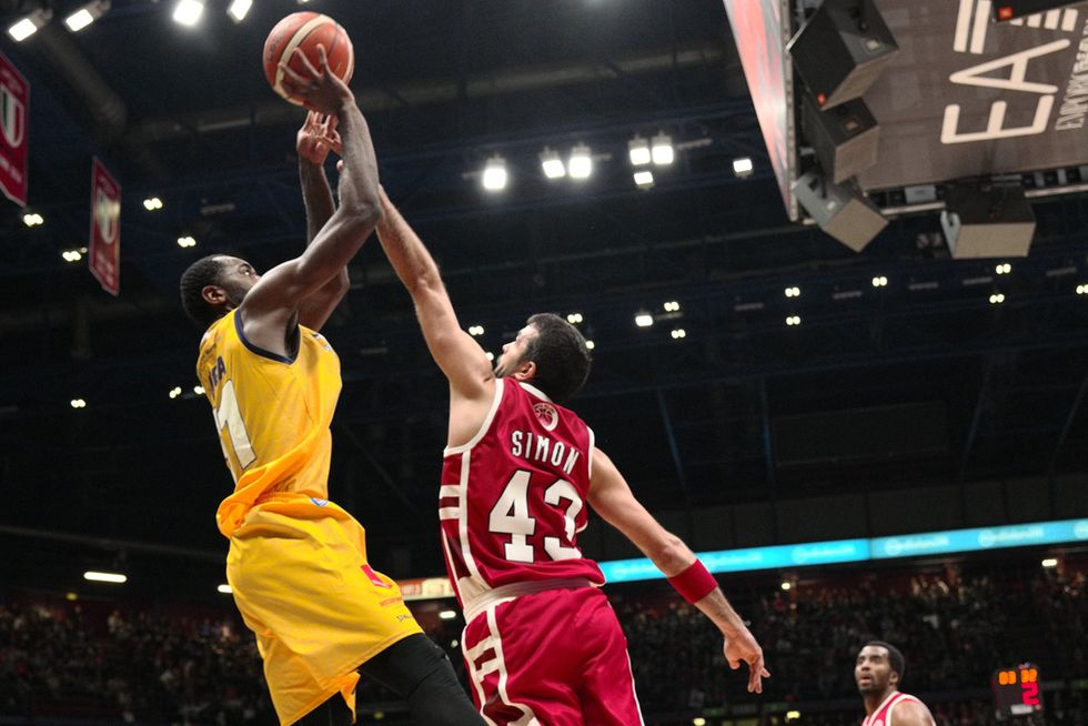 Basket, 22a Serie A: Kaukenas highlander di Reggio, Simon salva Milano