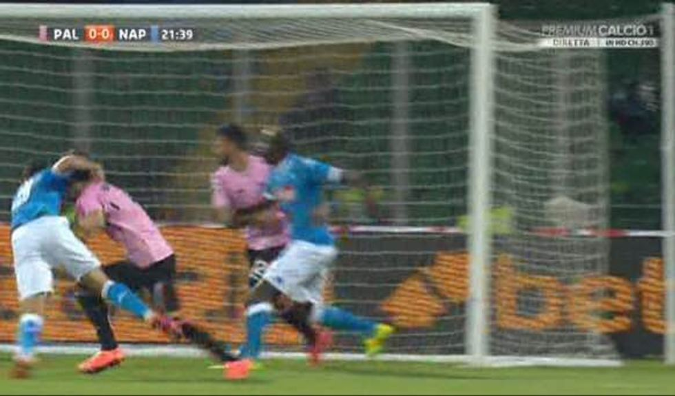 29a giornata - Napoli, rigore generoso da Rocchi per battere il Palermo