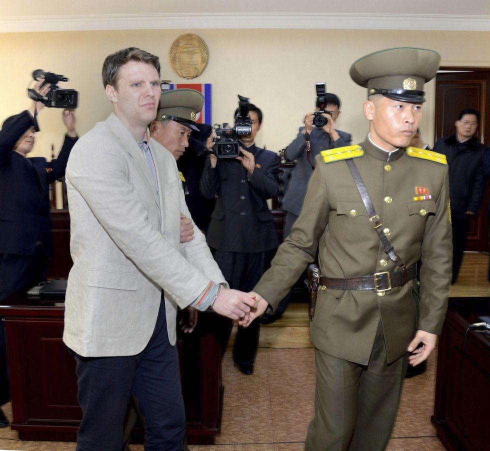 Corea del Nord, studente Usa condannato a 15 anni di lavori forzati