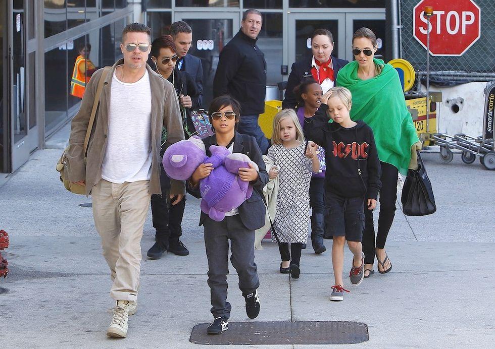 Brad Pitt capo branco del clan Pitt-Jolie: 6 tra figli naturali e adottati