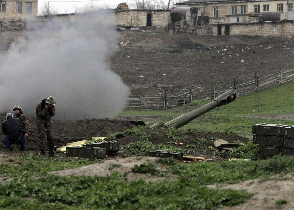 Nagorno-Karabakh, si riaccende il conflitto: decine di morti