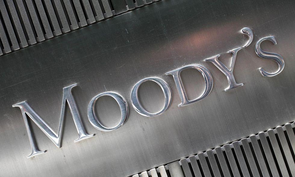 Moody's e Keynes: la compagnia per il weekend