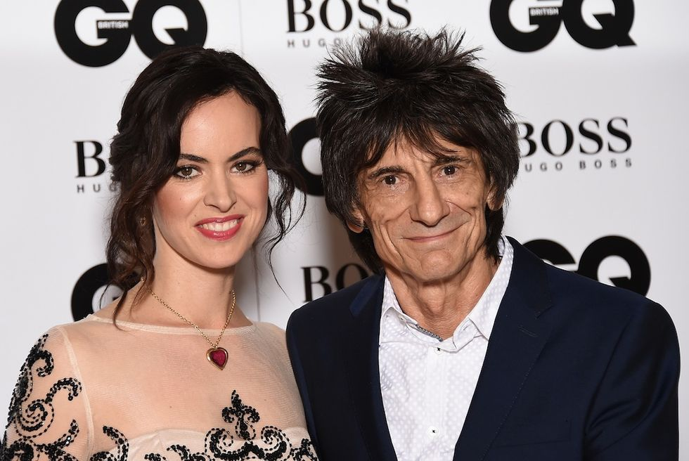 Ronnie Wood con la moglie Sally Humphreys