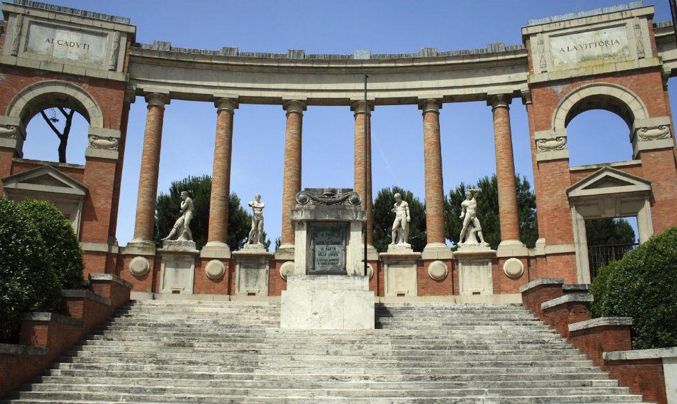 Macerata-Monumento