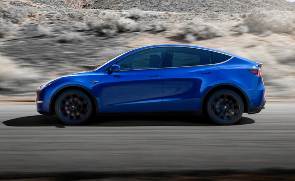 Tesla, arriva la Model Y ma l'auto della svolta è la 3