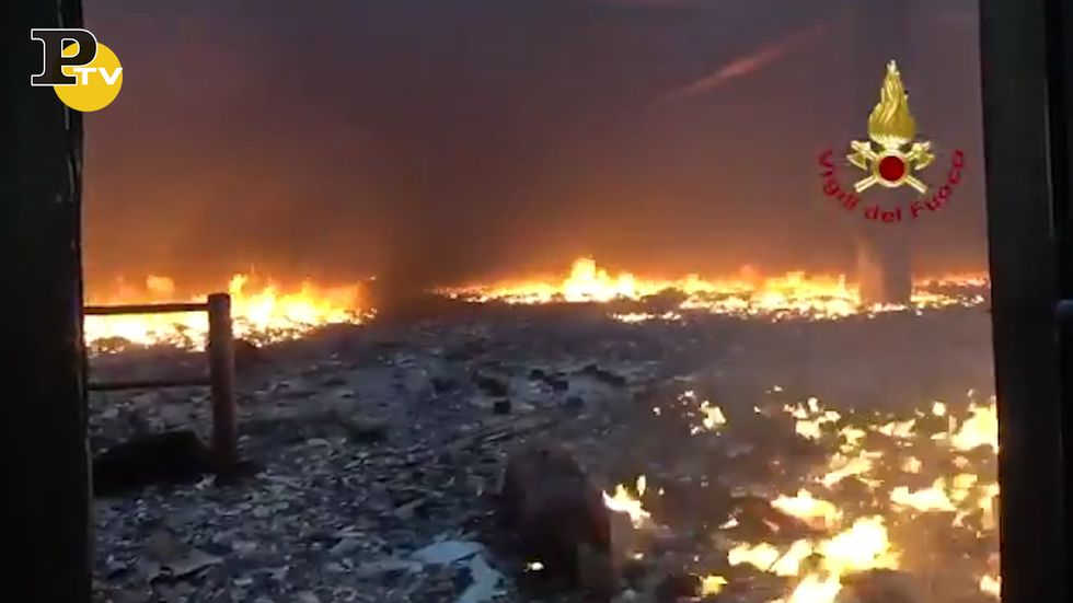 Ancona, incendio all'azienda Tontarelli a Castelfidardo