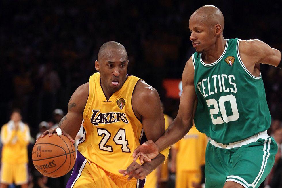 I 10 momenti top della carriera Nba di Kobe Bryant - video