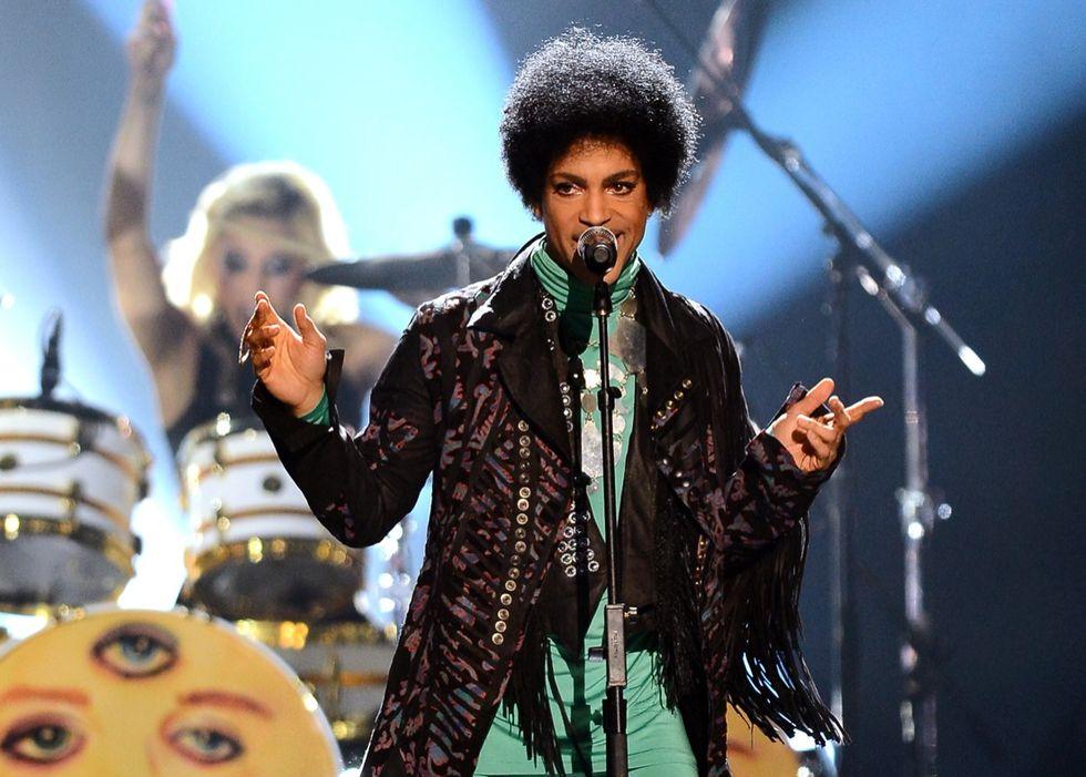 Prince: il malore in aereo poco prima della morte - Le foto del mito