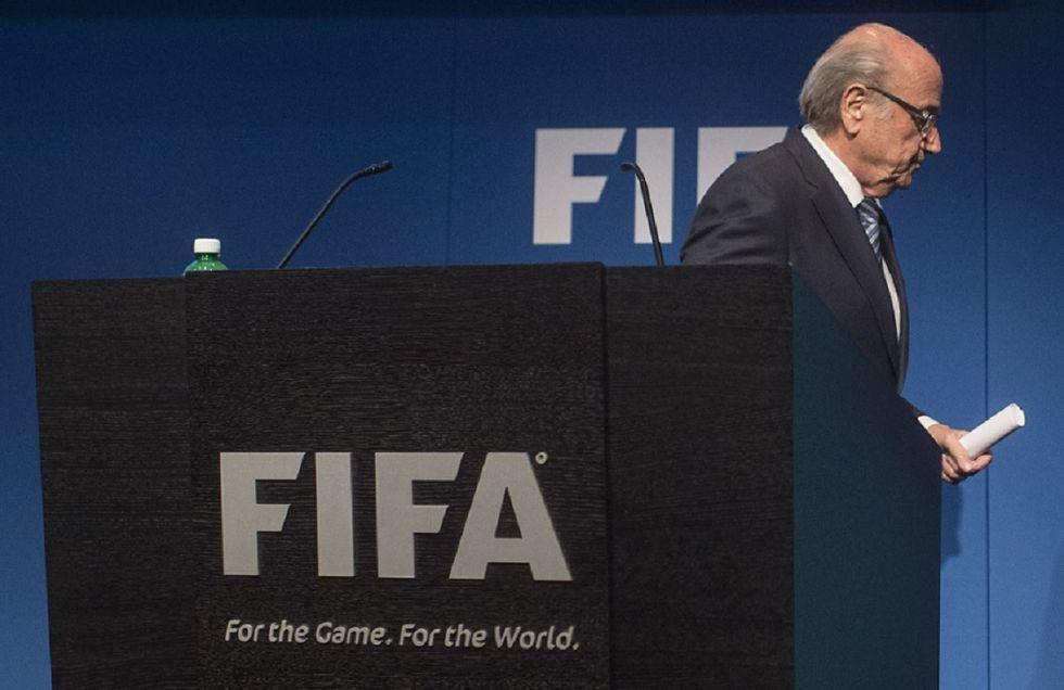 Inchiesta, sponsor e opposizione: ecco perché Blatter si è dimesso dalla Fifa