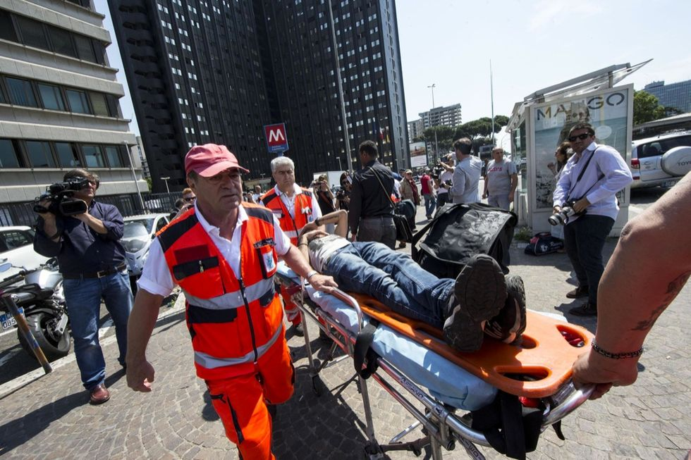 Roma, incidente nella Metro: 21 feriti - Foto