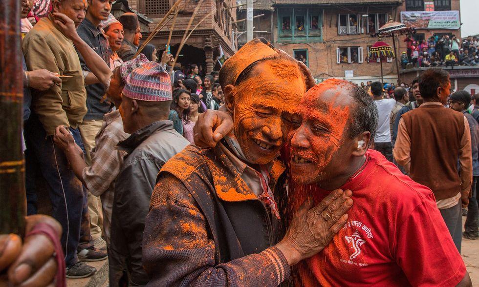 Nepal, l'anno nuovo accolto nel vermiglio