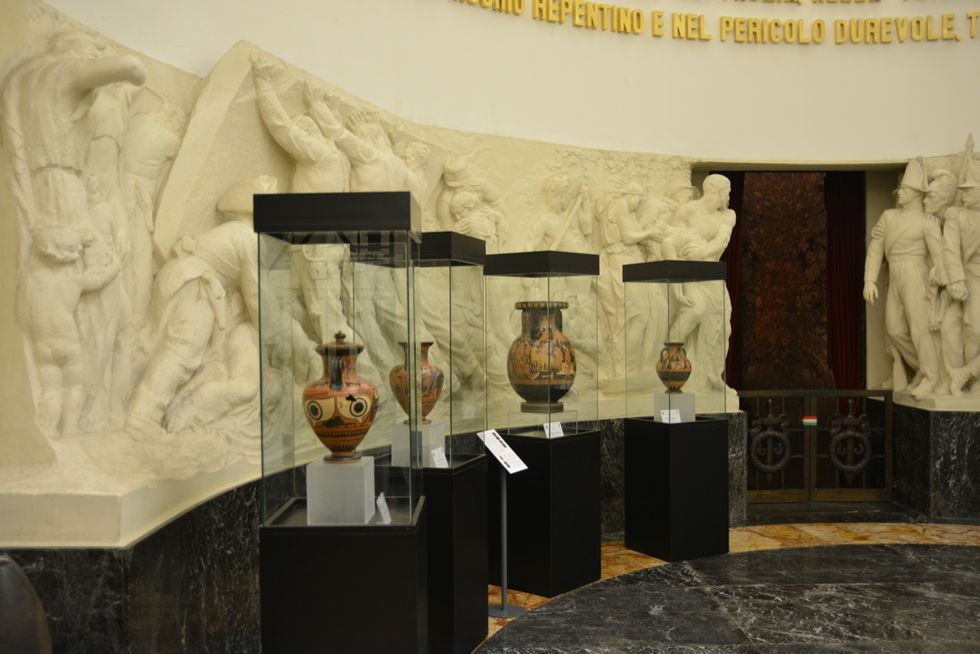 Roma: in mostra i tesori recuperati dai Carabinieri