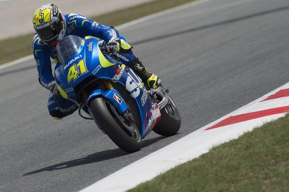 Gp Catalogna, qualifiche: doppietta Suzuki, Rossi settimo