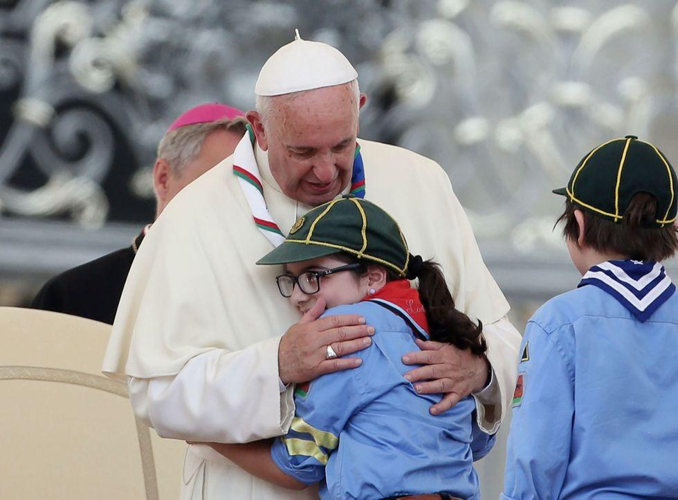 """Il Papa agli scout: """"Costruite ponti, non muri"""" - Le foto"""