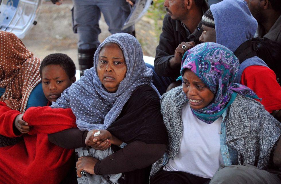 Il duello Francia-Italia e la vergognosa lite sui migranti