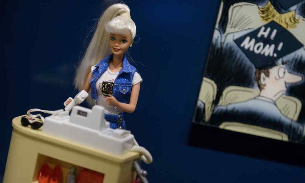 Iran, attacco alle bambole della Barbie