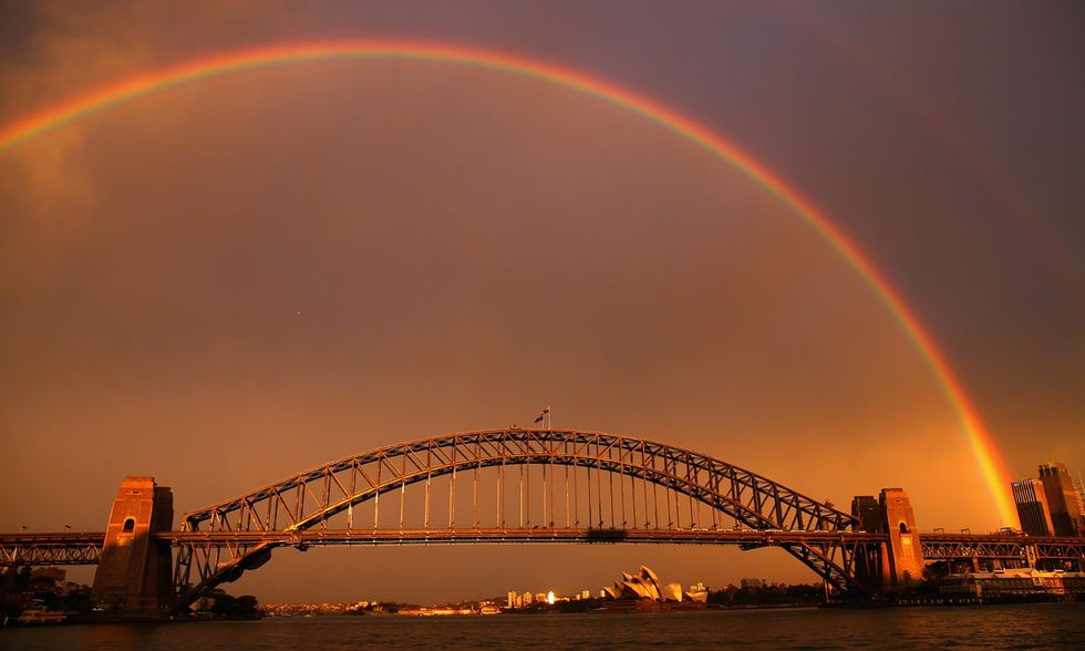 Sydney, l'arcobaleno sull'Harbour Bridge