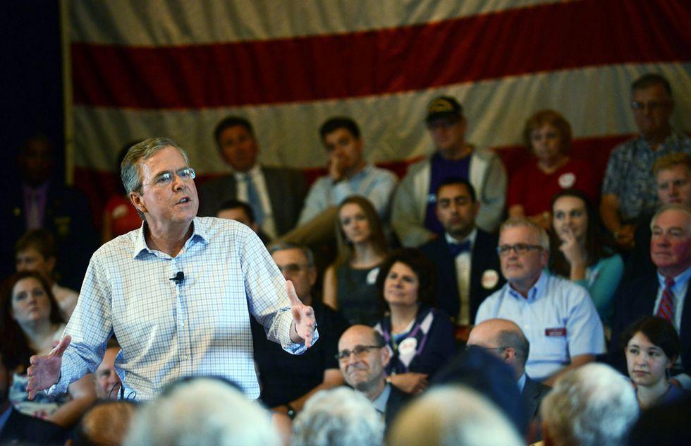 Usa: Jeb Bush inizia la campagna attaccando papa Francesco
