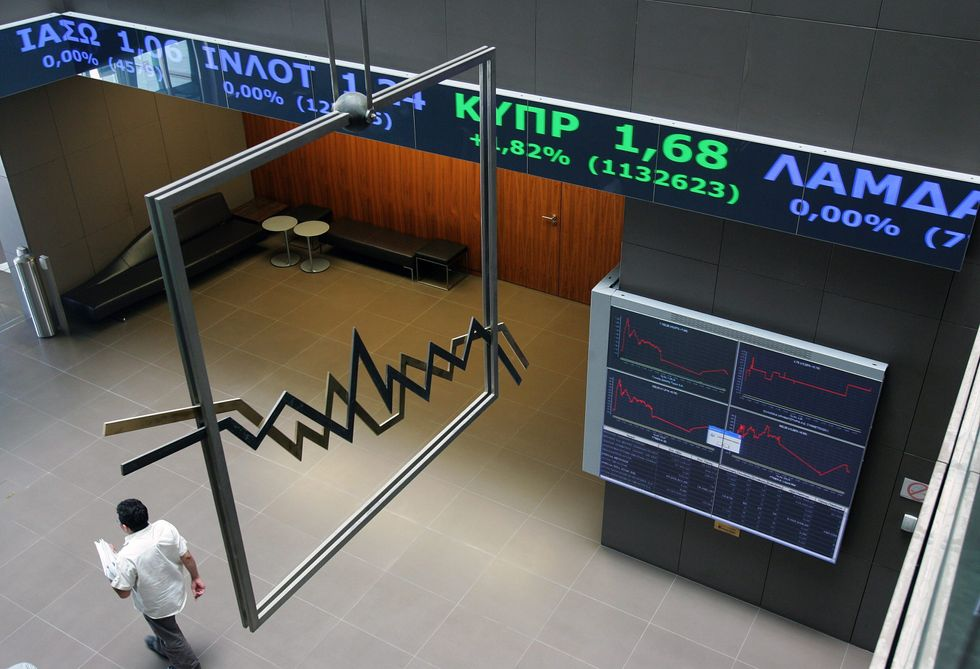 Riapre la Borsa greca: clamoroso crollo