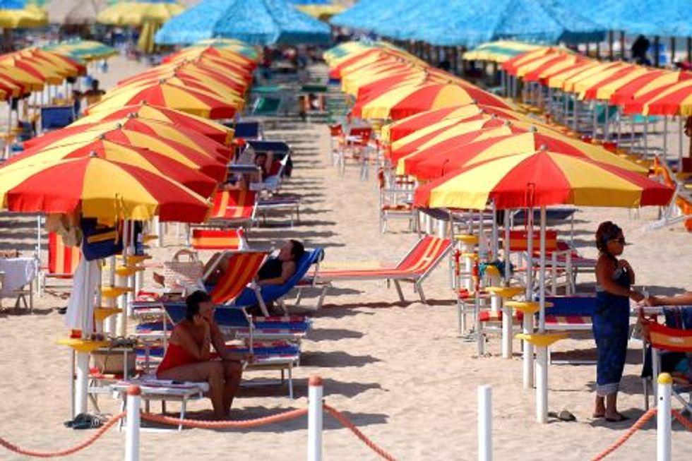 Spiagge 2015: quanto costano sdraio, lettini e ombrelloni