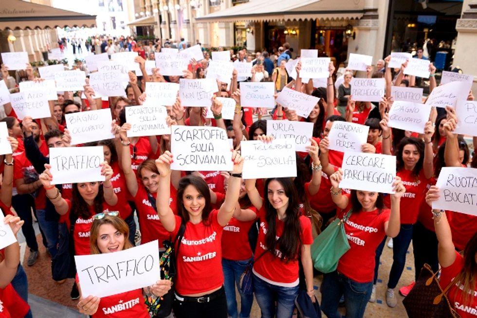 Strappo Day, il flashmob per dire basta alla routine