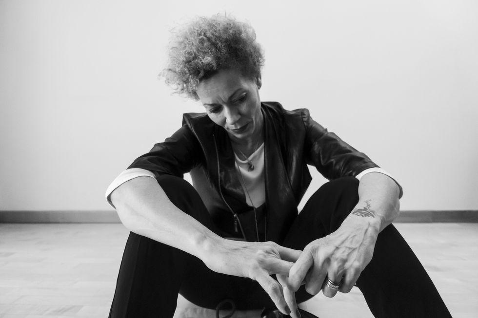"""Rosalia De Souza, il video di """"A Tela"""" - Anteprima"""